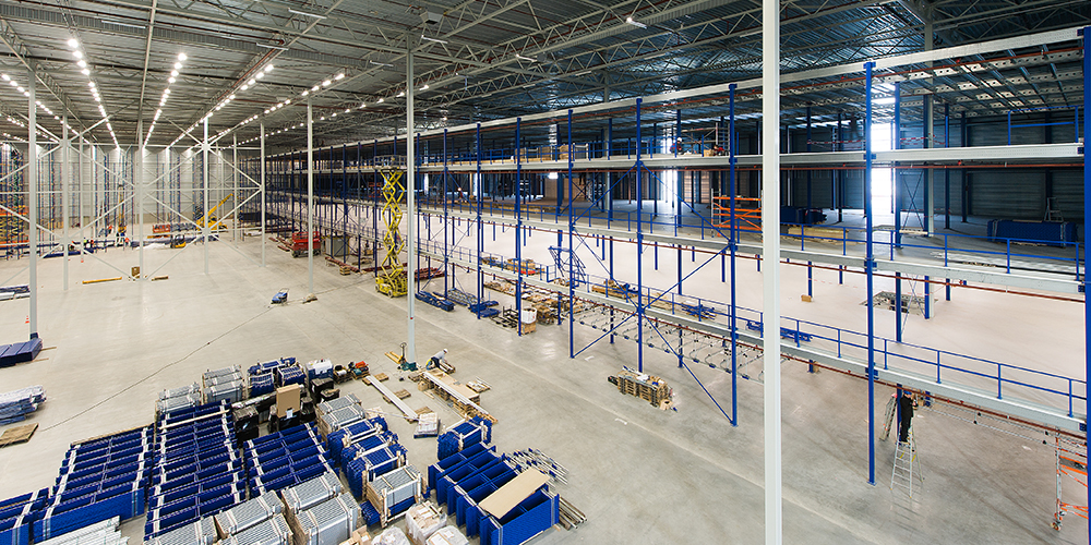 Mezzanine in a warehouse | Mezzanine warehouse